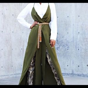 Pants - BRAND NEW Beautiful Green Jumpsuit